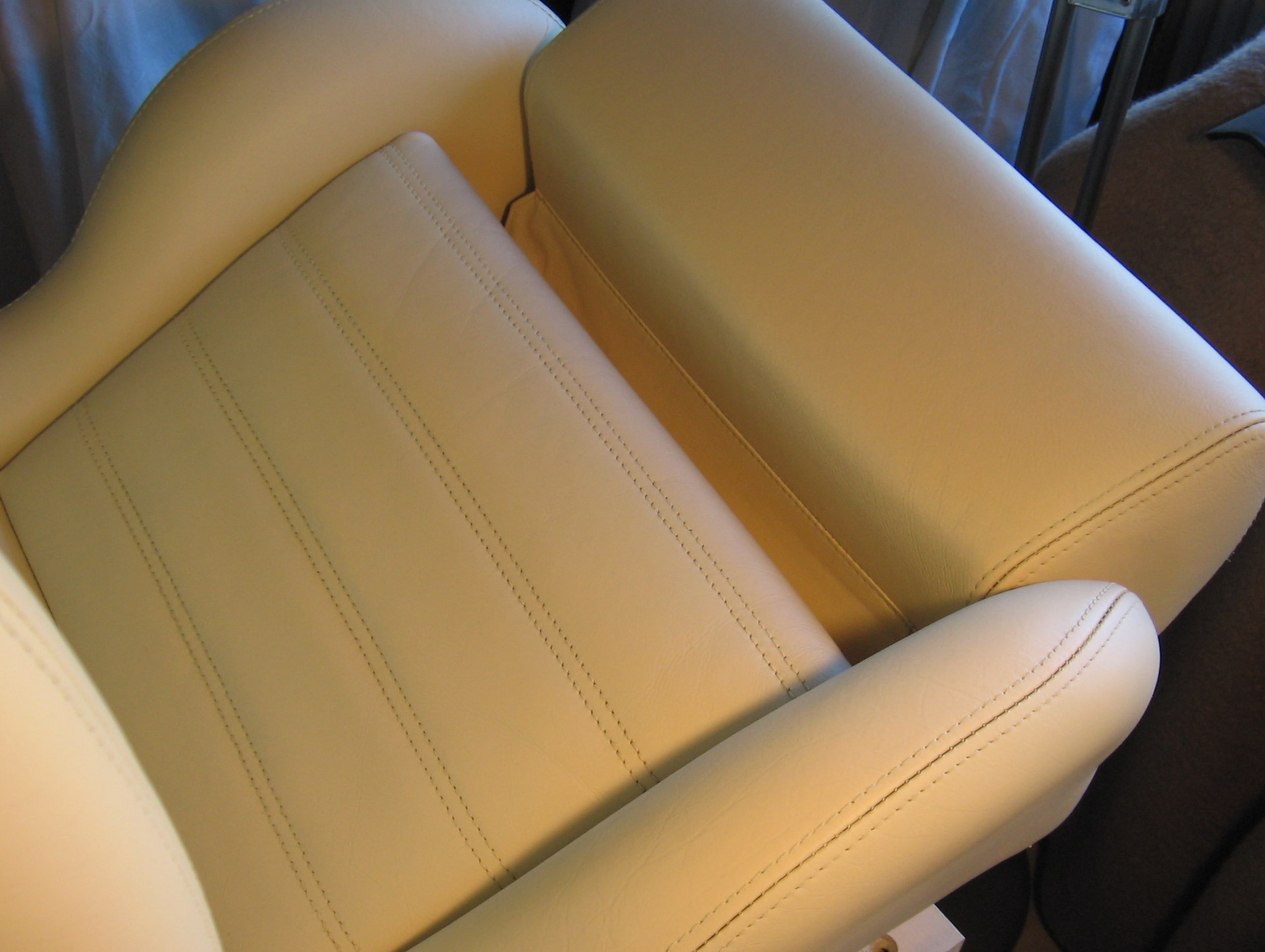 autoleder pflegen top premium profi pflege set natur echt autoleder schicht schwamm with. Black Bedroom Furniture Sets. Home Design Ideas